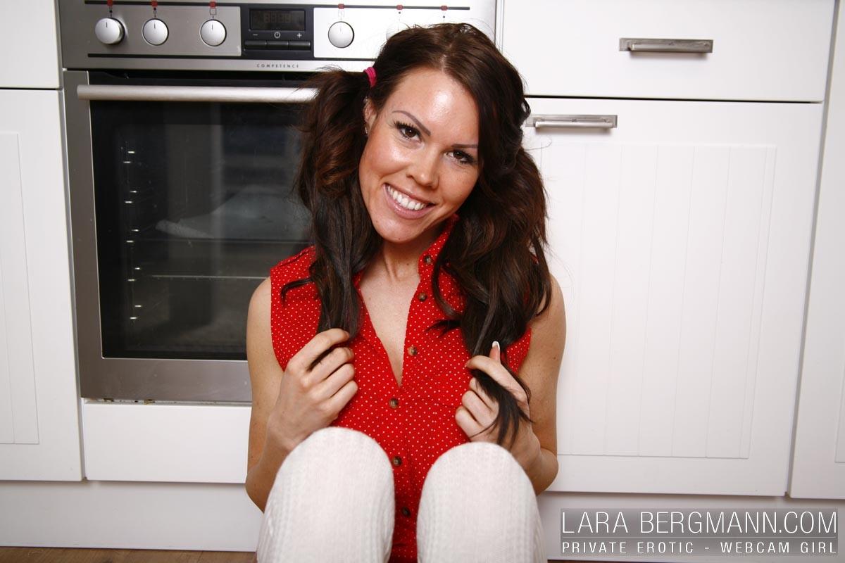 Lara Bergmann in der Küche   Supermax kostenlose Wixvorlagen